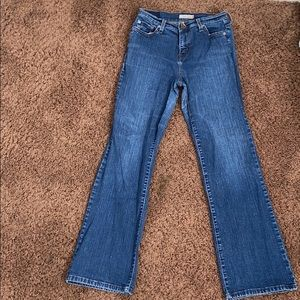 Levi's Perfectly Slimming Bootcut 512
